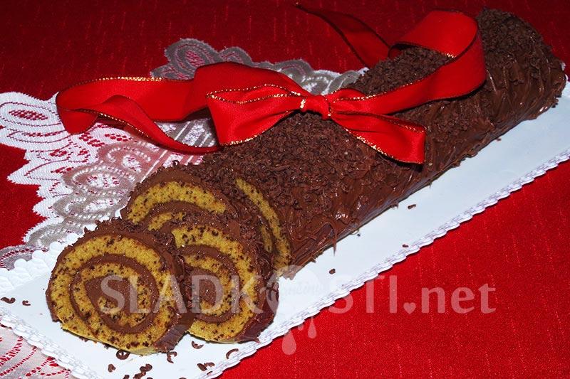 Čokoládová roláda s nugátovým krémem