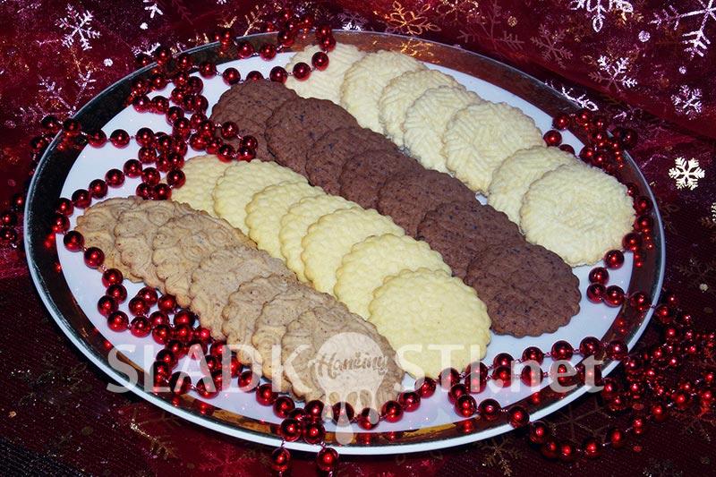 Čtyři druhy máslových sušenek