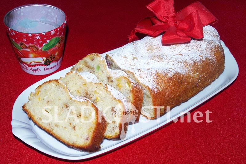 Citrusová a skořicová vánočka z formy
