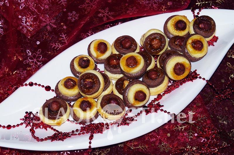 Dvoubarevné slepené koláčky s oříškem-dia