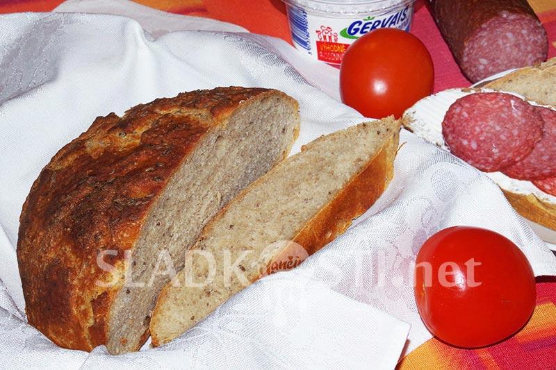 Kváskový chléb s kmínem