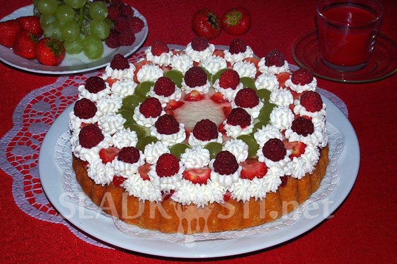 Lehký tvarohový dortík s ovocem a želé