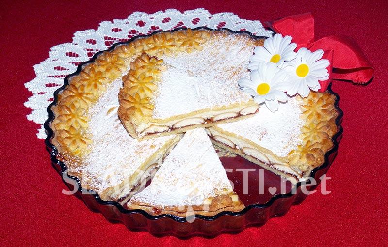 Linecký koláč s tvarohem a piškoty