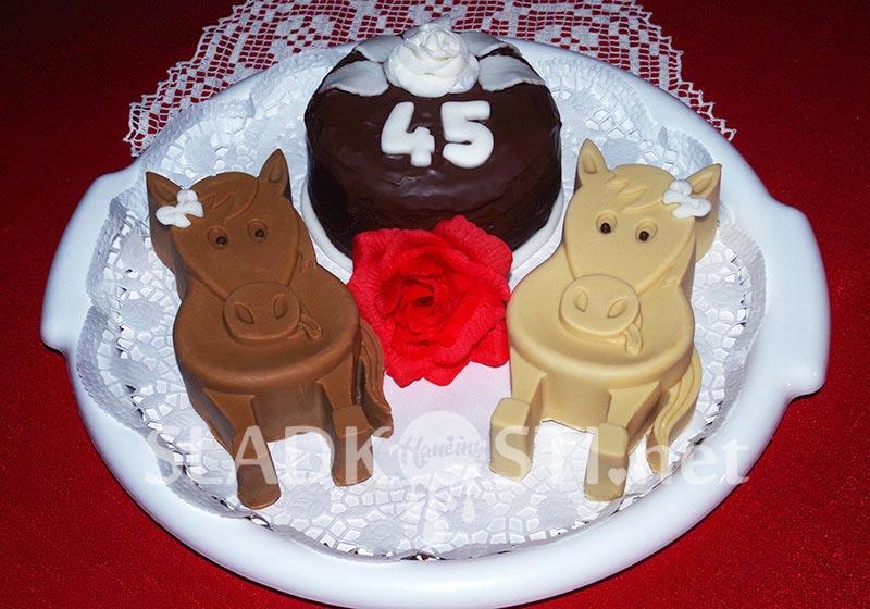 """Narozeninový """"koňský"""" dort"""