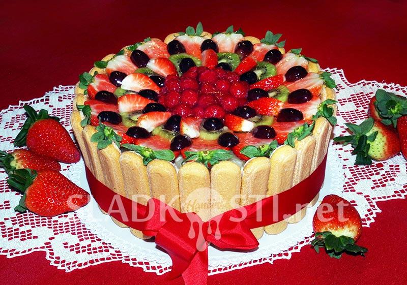 Ovocný dort se šlehačkou a mascarpone
