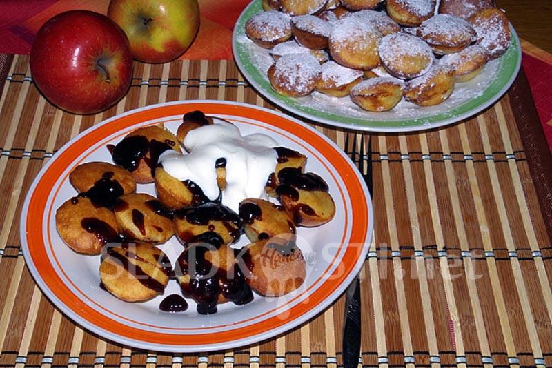 Pečené lívanečky s jablečnou náplní