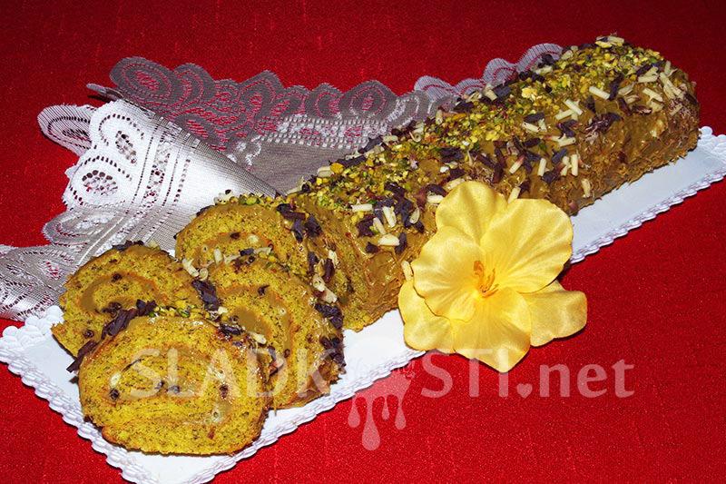 Pistáciová roláda s čokoládovými kudrnami